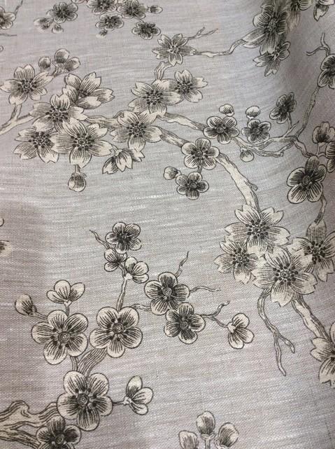 fleur japonaise gris