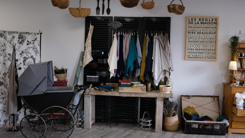 Visite de la boutique Lin ou l'autre , décoration, prêt-à-porter, lin au mètre